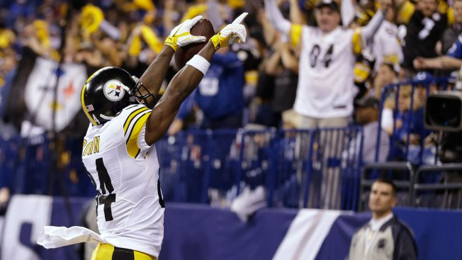 Brown scores 3 TDs for Steelers in 28-7 win over Colts