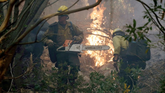 Crews Brace for Return of Powerful Wind That Fueled Calif. Fire