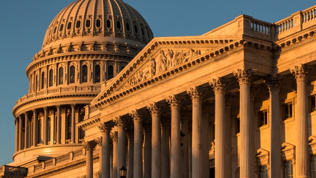 Congressional Leaders Eye Restoring Automatic Pay Hike
