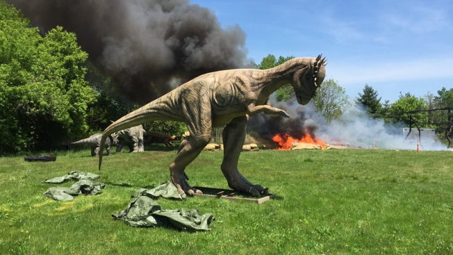 90-Foot Robotic Dinosaur Roasted in NJ Exhibit Fire
