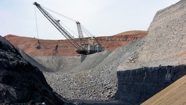 US Officials Say They Wrongly Announced Coal Mine Expansion Due to 'Internal Miscommunication'