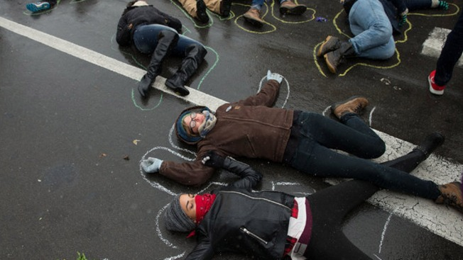 """""""Die-In"""" for Mike Brown, Eric Garner to Take Place Outside Sports Complex After Eagles Game"""
