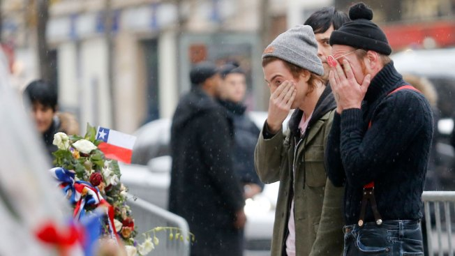 Eagles of Death Metal Return to Bataclan After Paris Attacks