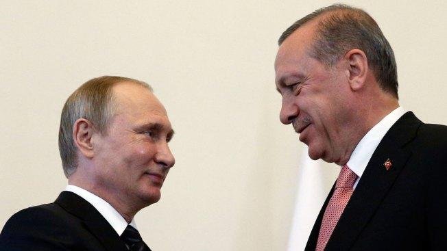 Turkey's Erdogan Sits Down With Russia's Putin for Talks