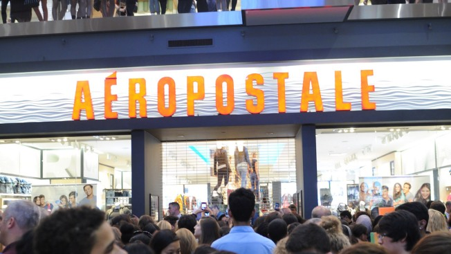 Teen Clothing Retailer Aéropostale Seeks Bankruptcy Protection