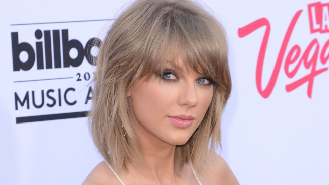 Taylor Swift Super-Fan Gets Married Outside Philadelphia Concert