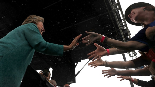 Race Tightening, Clinton Leans on Retooled Obama Alliance