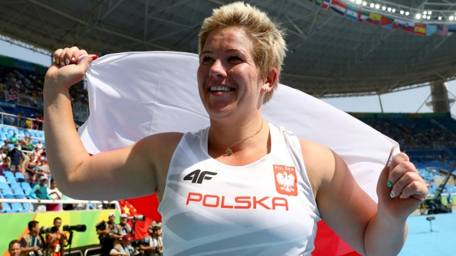 Polish Hammer Thrower Breaks World Record Using Friend's Glove