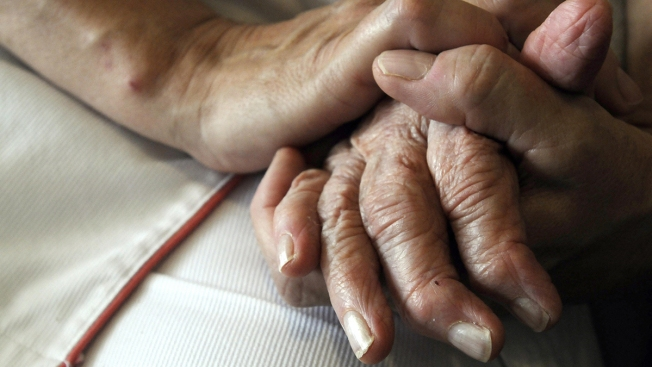 New Clues on Why Women's Alzheimer's Risk Differs From Men's