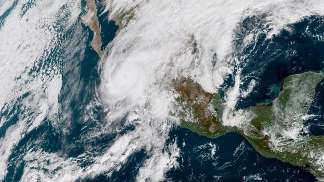 Category 3 Hurricane Willa Hits Mexico's Coast, Starts to Weaken