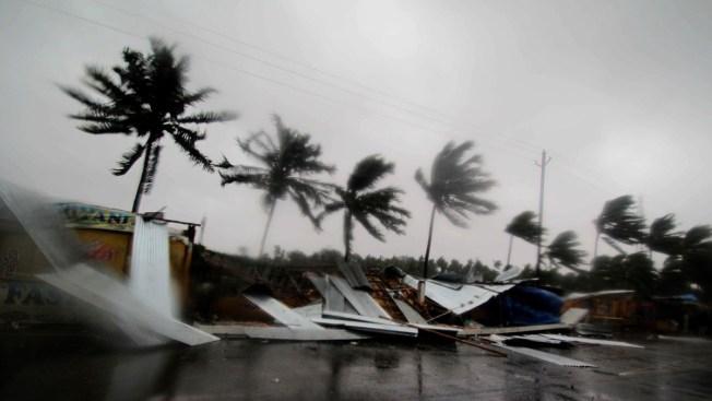 Cyclone Fani Hits India's East Coast; 1.2 Million Evacuated
