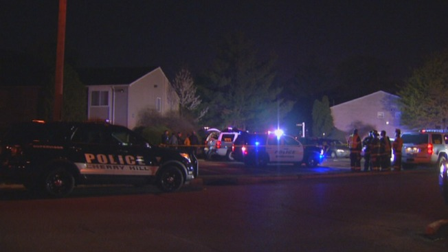 3 People Stabbed Inside Apartment Complex