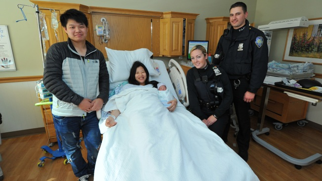 Police Help Deliver Baby Outside Holland Tunnel