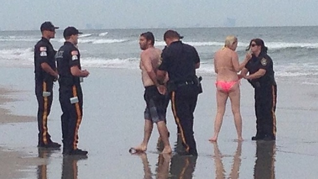 Philly Couple Arrested for Having Sex in Front of Beachgoers: Police