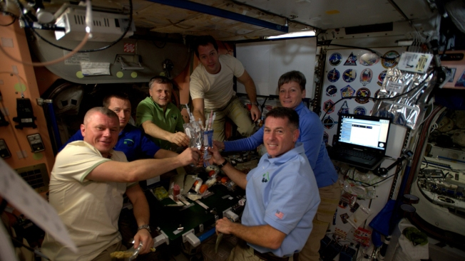 Houston, We Have Thanksgiving: Astronauts to Feast on Pouches of Turkey