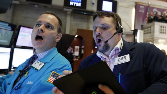 US Stocks Slide After Threat From Trump to Raise Tariffs