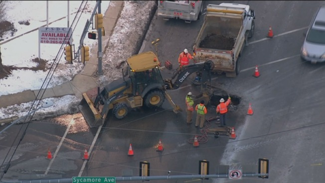 Water Main Break Shuts Down Lane