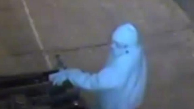 Burglar Targets Businesses on Christmas, New Year's Day