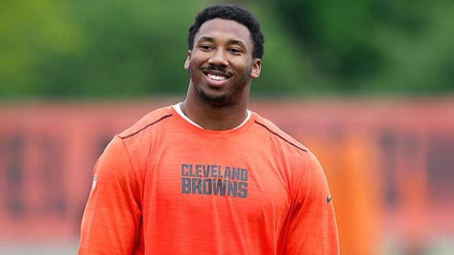 NFL Notes: No. 1 Overall Pick Myles Garrett Signs With Browns