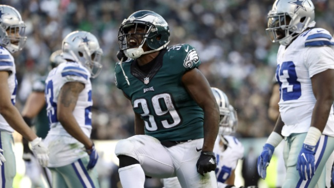 Undrafted Running Backs Byron Marshall, Terrell Watson Get Opportunity to Shine in Eagles' Finale