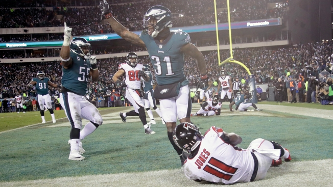 Eagles clip Falcons to progress in NFL
