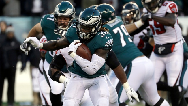 Jay Ajayi, Eagles Run Game Shoulder Offensive Load In Win