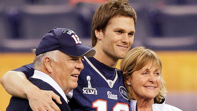 Super Bowl Notes: Mother's Illness Has Weighed on Tom Brady All Season