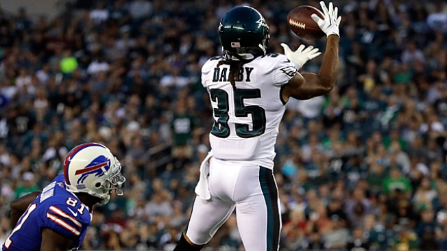 Eagles' CB Darby suffers apparently serious ankle injury