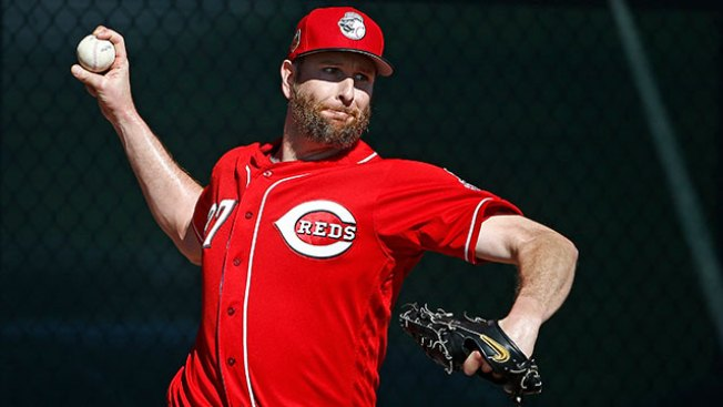 MLB Notes: Reds Pick Newcomer Scott Feldman to Start Against the Phillies on Opening Day