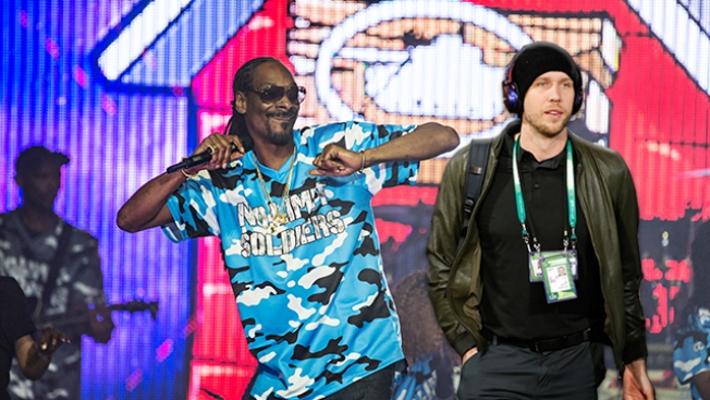 Snoop Dogg Drops Nick Foles' Name in Latest Track
