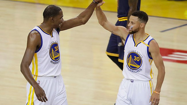 NBA Finals: Warriors Blitz Cavaliers for Game 1 Win