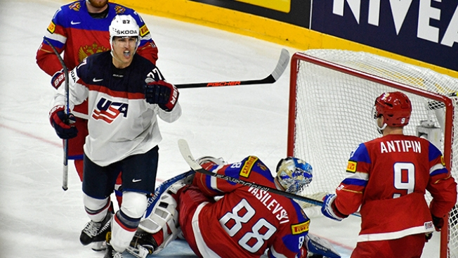 U.S. Comes Back to Beat Russia at Ice Hockey Worlds
