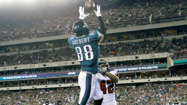 At Least Eagles Realize They Need to Get Dallas Goedert Involved