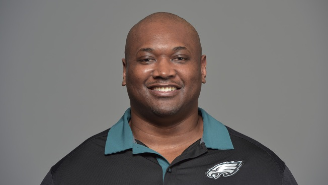 Source: Phillip Daniels Promoted to Eagles' DL Coach