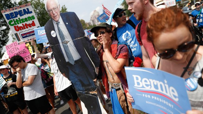 Many Bernie Sanders Supporters Unmoved by Plea to Support Clinton
