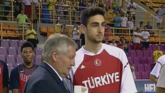 Last Year's 26th Pick Furkan Korkmaz in Town to Visit With Sixers