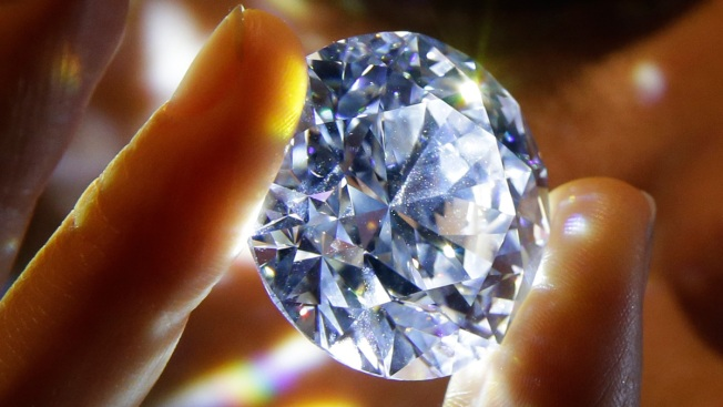 'Flawless' White Diamond Could Fetch Over $33 Million