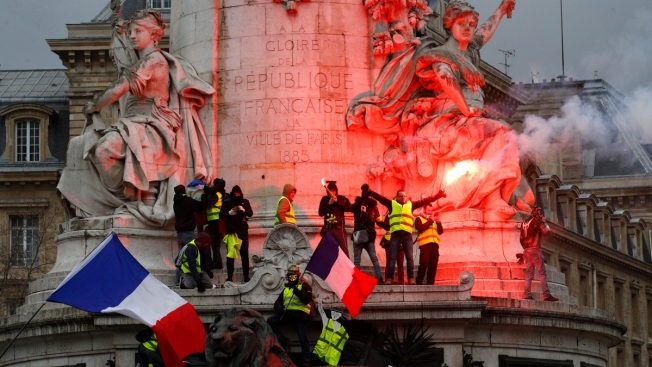 French Yellow Vest Protesters Condemn Injuries, Blame Police