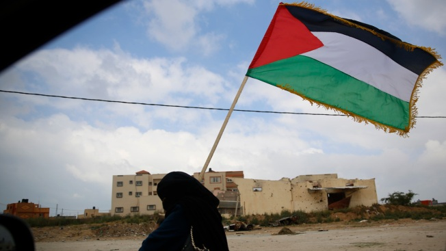 Israeli Says It Will Expand Response If Gaza Clashes Go On
