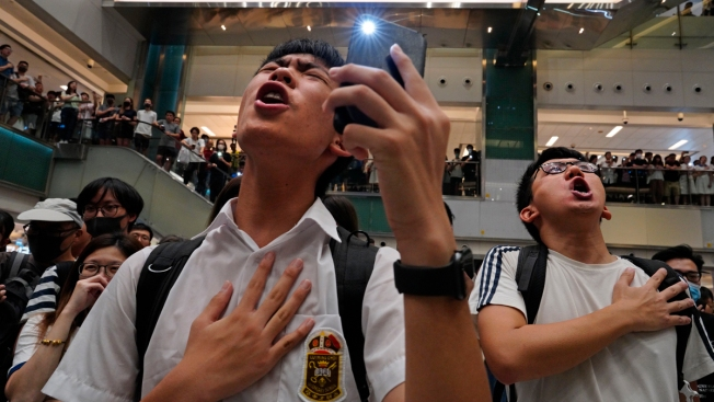 Belting Out Protest Song Is Latest Act of Hong Kong Movement
