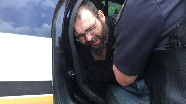 Man Suspected of Slaying Tennessee Deputy Is Captured