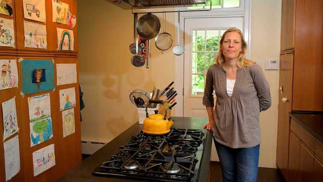 Food Anthropologist Studies Middle-Class Eating Habits