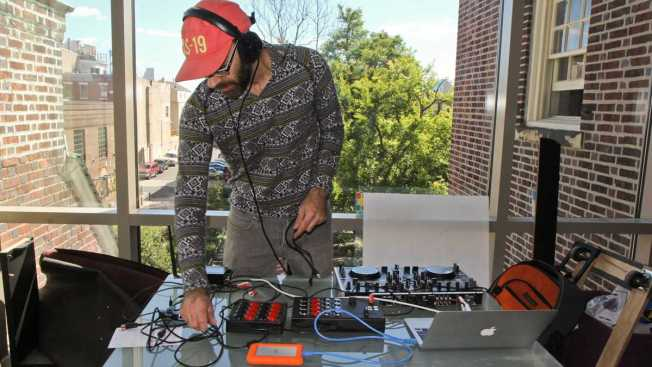 """Slow-FM Presents a Taste of """"Chopped and Screwed"""" Music in Philly"""