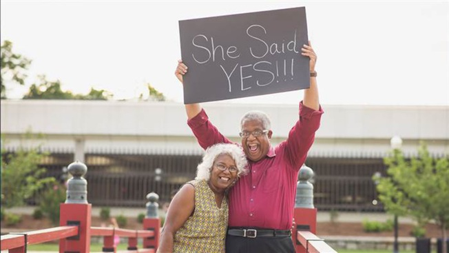 Senior Couple's Adorable Engagement Photos Go Viral