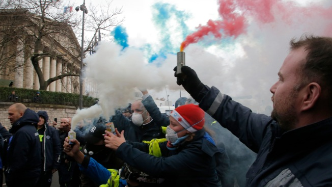 Violent Protests in France Reveal a Hard-to-Heal Fracture