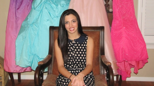 Teen 'Fairy Godsister' Helps Girls Get to Prom
