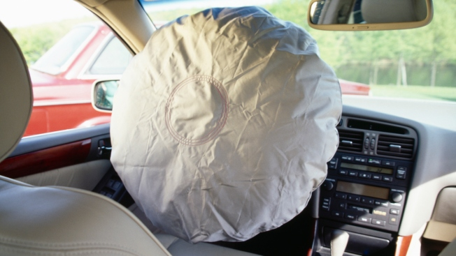U.S. Opens Investigation of Air Bag Ruptures