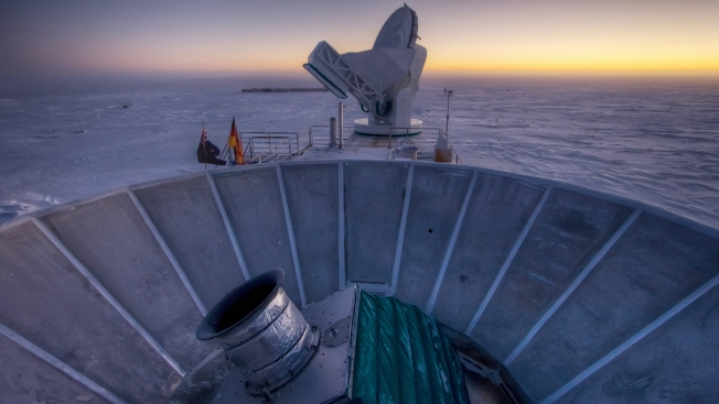 """Smoking Gun"" Evidence Spotted for Universe's Early Growth Spurt"