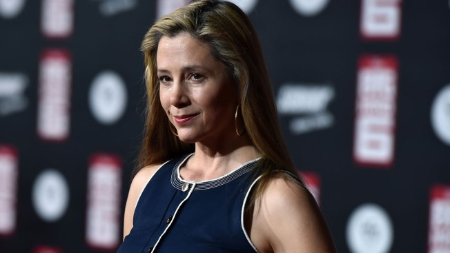 Mira Sorvino Replies to Backlash Following Harassment Claims