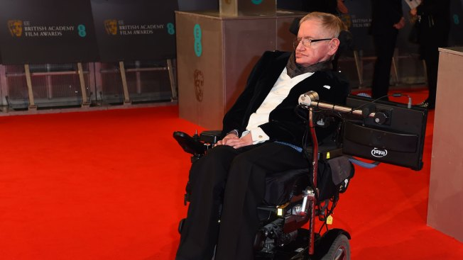 Stephen Hawking Joins Interstellar Bid to Seek Life With Tiny Spacecraft